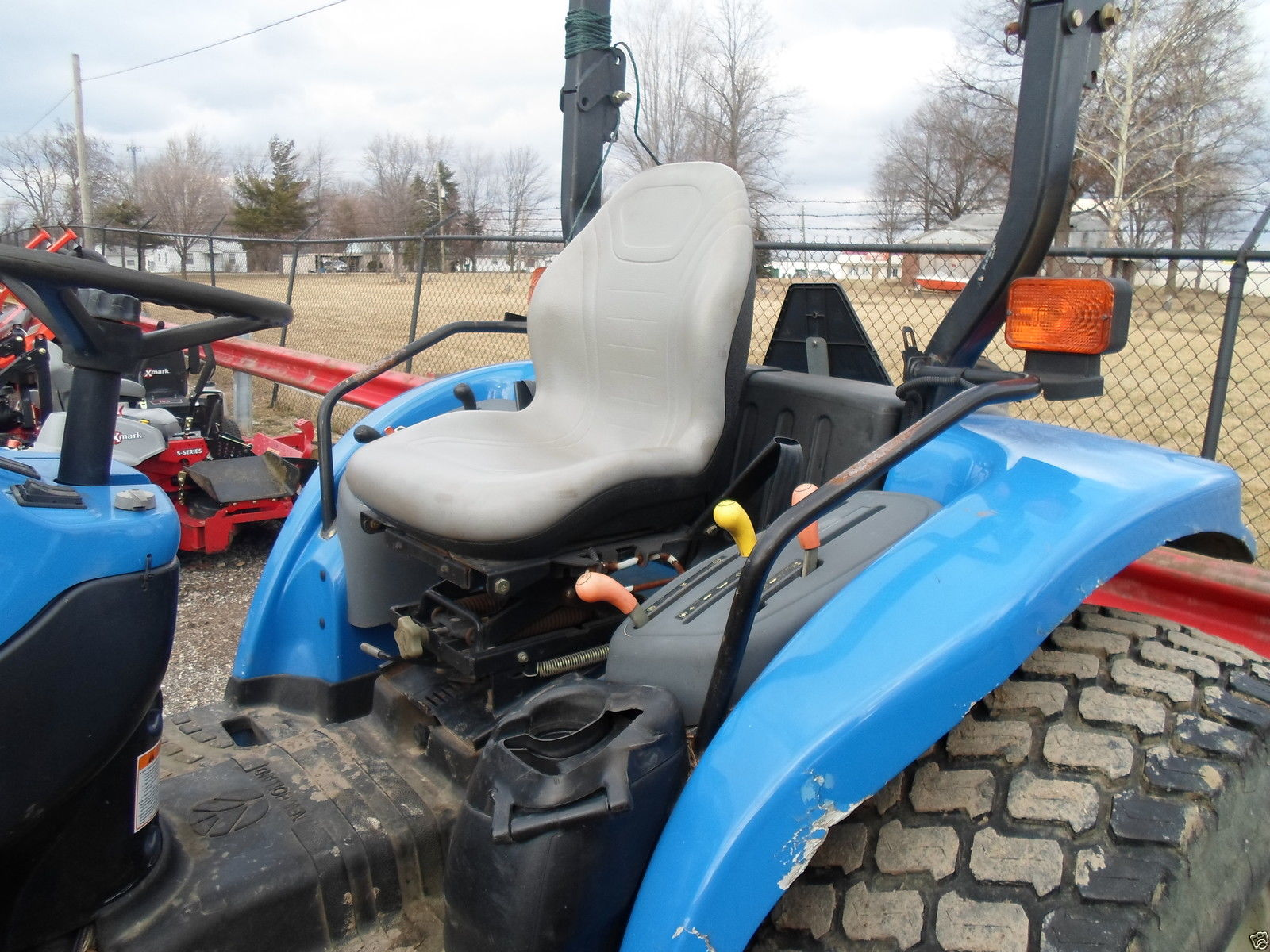 GRAY SEAT FORD NEW HOLLAND TC TRACTOR TC40DTC45TC40DATC45DATC48DATC55DA EF 161210971716 10 new holland tc40d wiring diagram new holland tools, new holland new holland tc40 wiring diagram at suagrazia.org