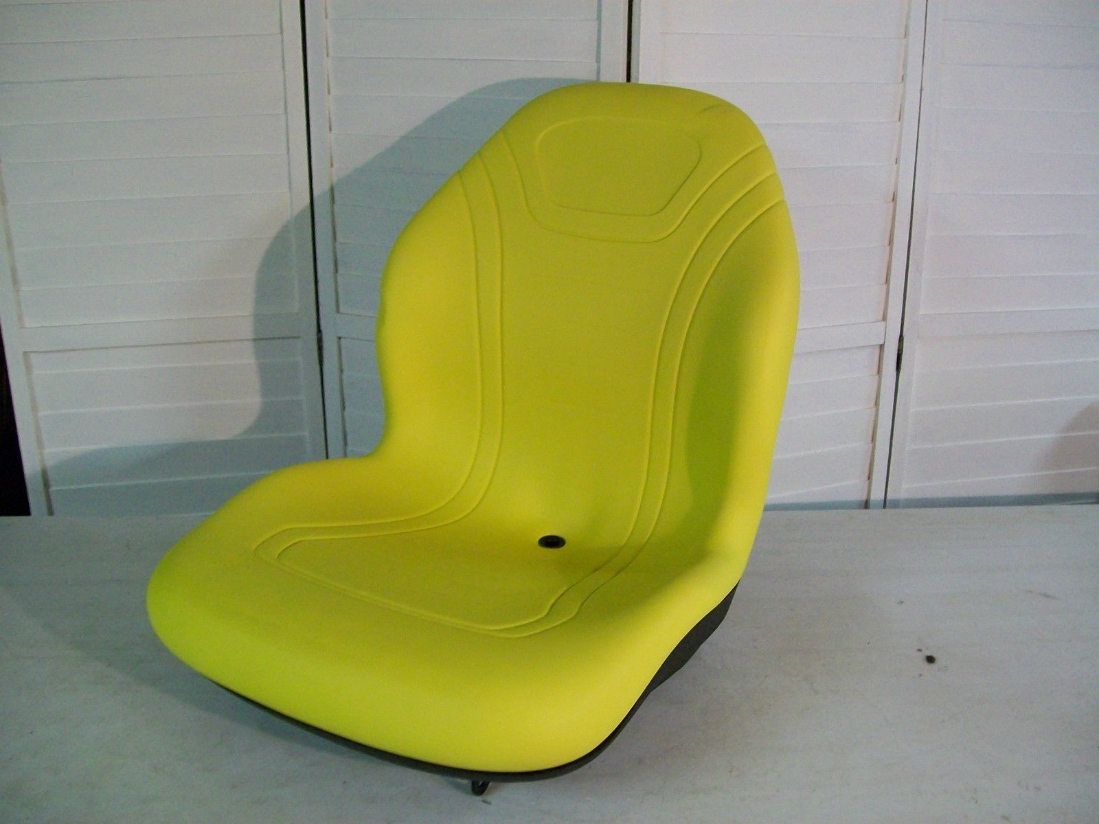 YELLOW SEAT JOHN DEERE 425, 445, 455, 4100, 4110, 4115, GARDEN, COMPACT  TRACTORS W/BRACKET REPLACES AM879503 #DD   Seat Warehouse