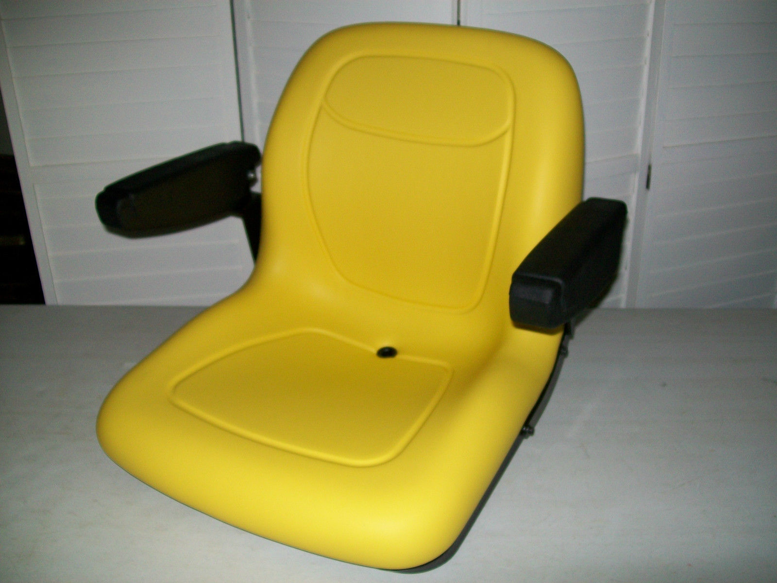 Video Showing The Process Resulty Opinion On How Repair Job John Deere Tractor Seat Turned Out