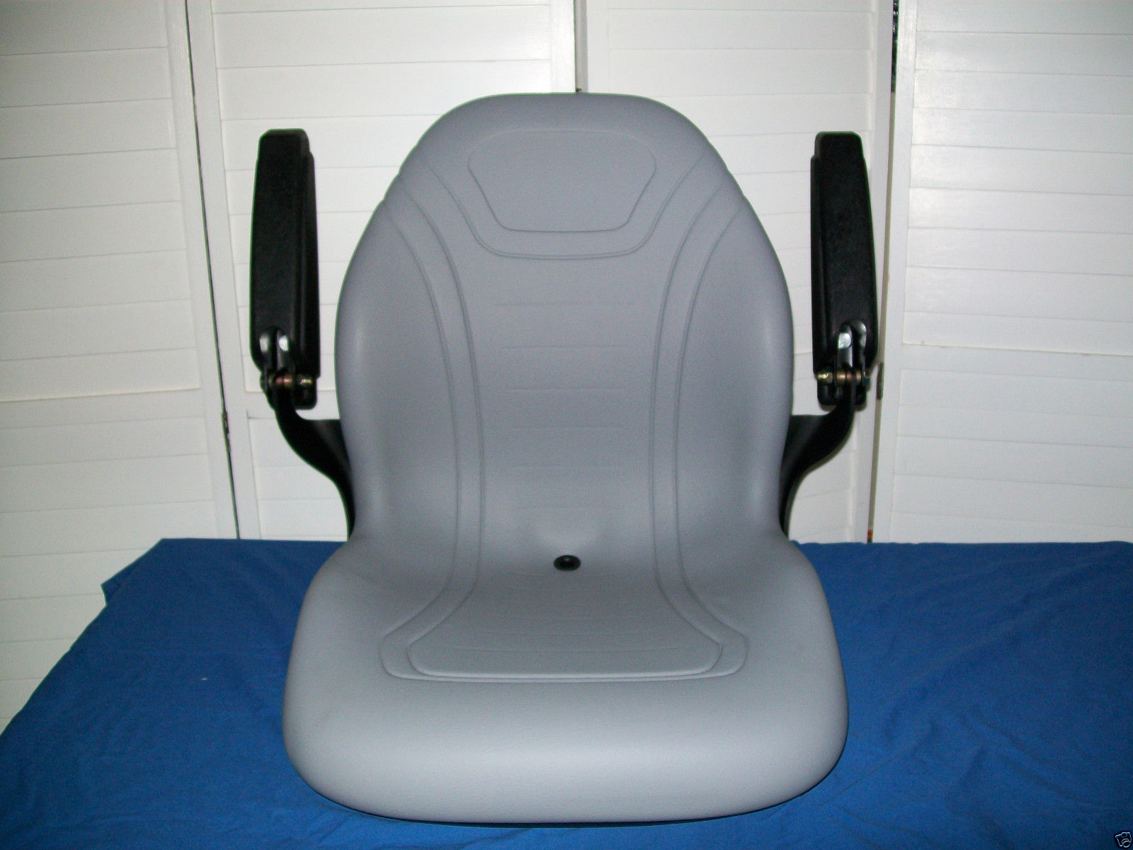 NEW GRAY SEAT FORD NEW HOLLAND TC COMPACT TRACTORS, TC18, 21, 25, 29 ...