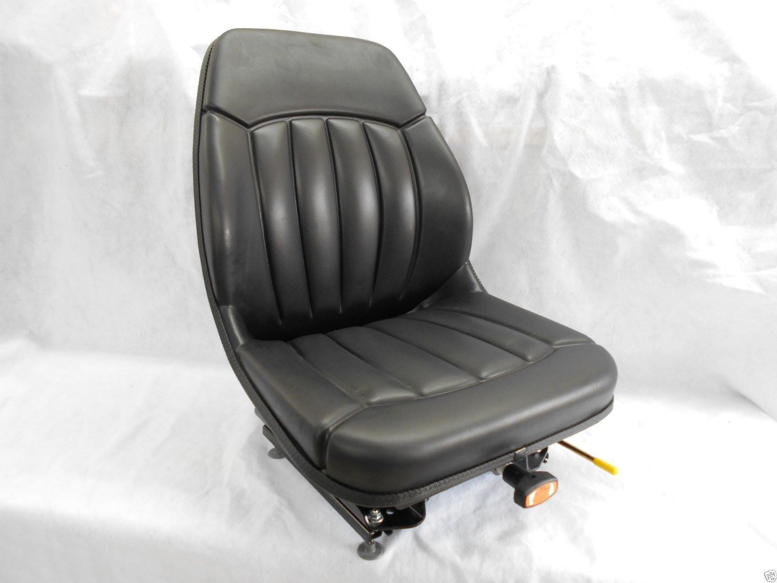 BLACK SUSPENSION SEAT BOBCAT S130, S150, S160, S175, S185, S205, S220, SKID  STEER #OM