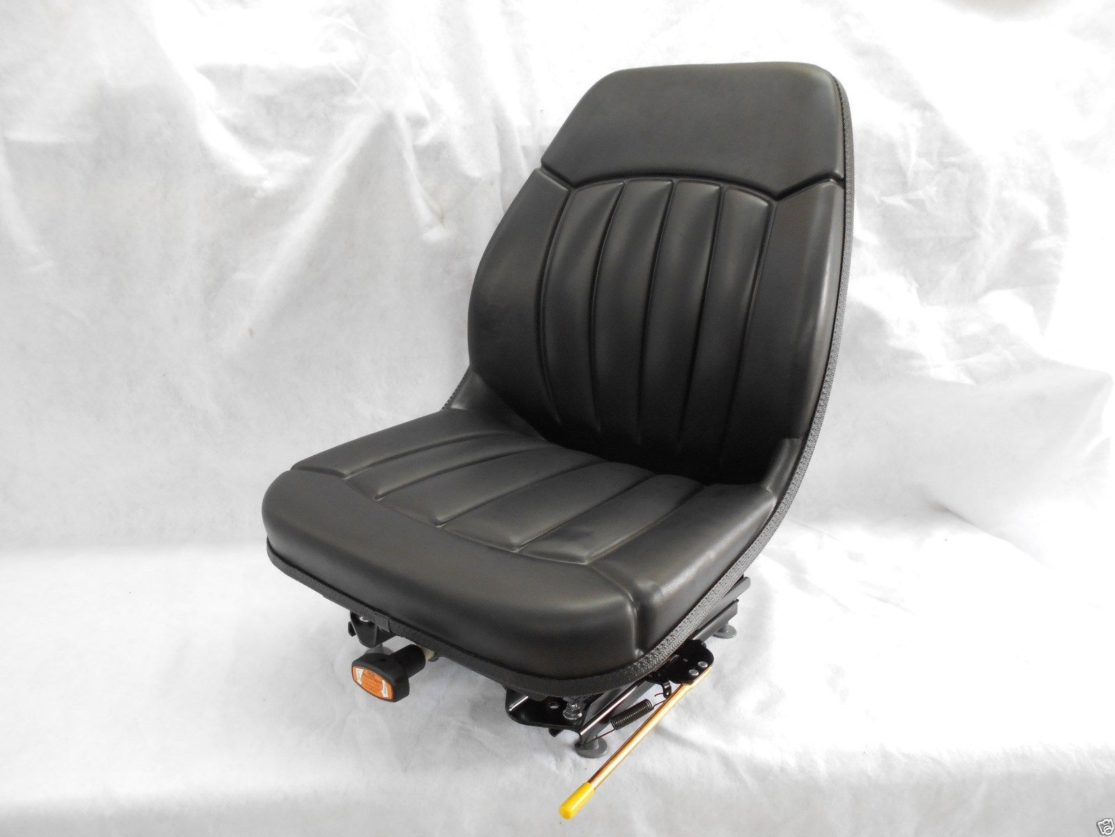 BLACK SUSPENSION SEAT BOBCAT S130, S150, S160, S175, S185, S205, S220, SKID  STEER #OM