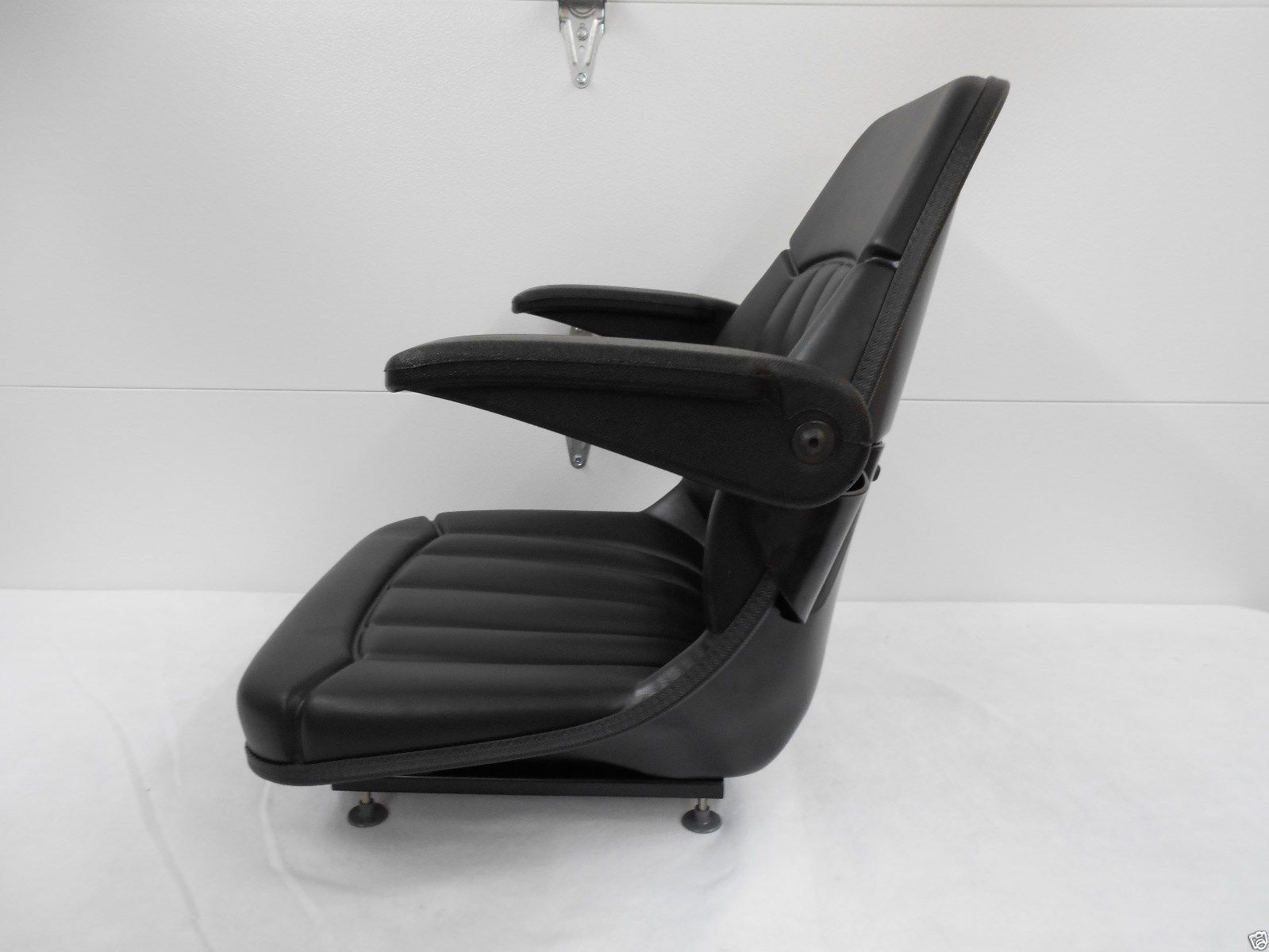 BLACK SEAT W/ ARM RESTS DITCH WITCH, VERMEER, TRENCHER, CABLE PLOW ...